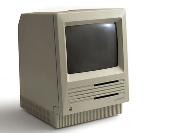 Photo of a Macintosh SE computer