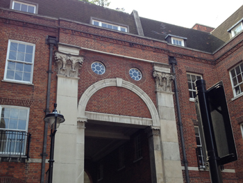Picture of an arch next to the inns of court in London