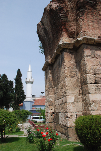 Photo of the ruins of St John's Church in Alaşehir